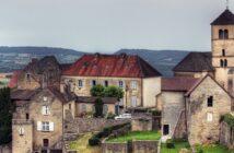 Camping Le Fayolan: Urlaub im Jura genießen
