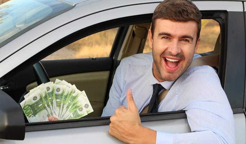 Wer seinen Zahlungsverpflichtungen regelmäßig und vor allem pünktlich nachkommt, ist ein gern gesehener Kunde.  ( Foto: Shutterstock- AJR_photo )