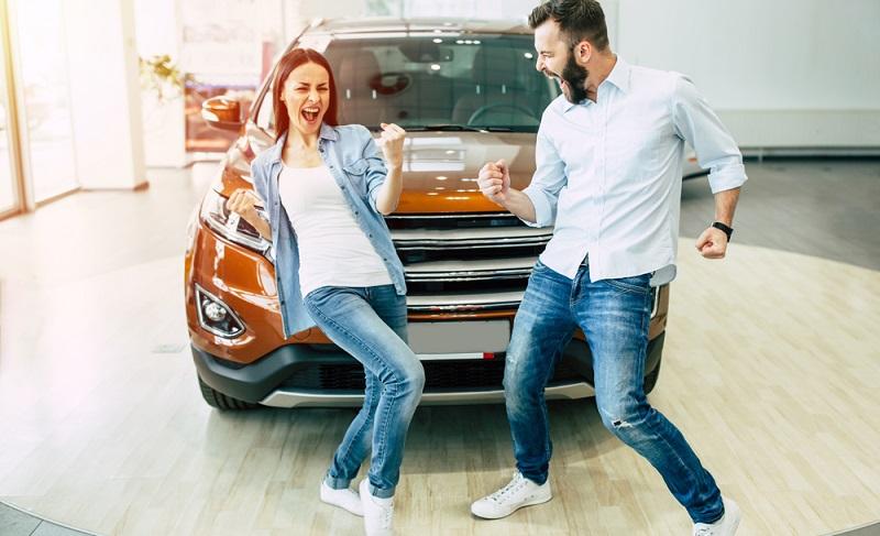 Kauf- oder Autohäuser gewähren bessere Konditionen, wenn die Kreditwürdigkeit als hoch eingestuft ist.  ( Foto: Shutterstock-My Ocean Production )