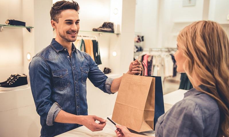 Das eben Dargestellte gilt auch für Kreditkarten. Bitte nur eine oder zwei Kreditkarten führen, wenn die Bonität gut sein soll!   ( Foto: Shutterstock-_George Rudy)